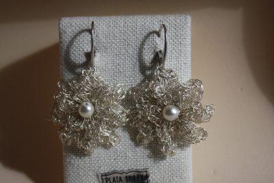 Pendientes de ganchillo con perla